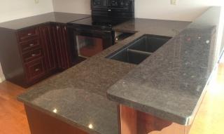 Emerald_Pearl_Granite_Kitchen_2