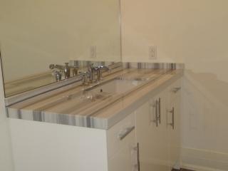 Equator_Marble_Bathroom_2-700x525