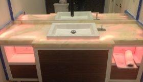 Onyx-bathroom_web-2-280×160