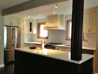 Royal_White_Granite_Kitchen_1-700